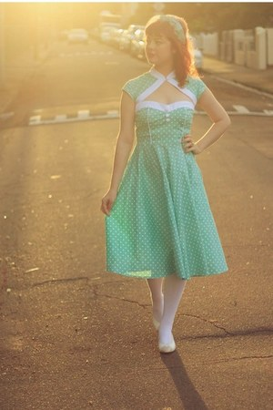 chartreuse netted vintage hair accessory - aquamarine hell bunny dress