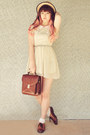 Cream-la-la-magic-dress-brown-vintage-bag-cream-tutuanna-socks