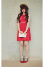 Beige-boater-wholesale-hat-ruby-red-heart-print-oasap-dress