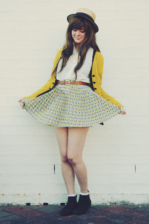 light yellow vintage skirt - yellow The Little Pineneedle accessories