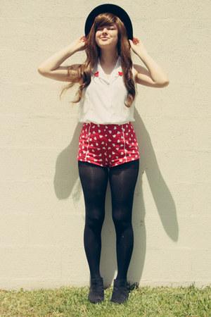 white vintage blouse - black asos boots - black OASAP hat - ruby red asos shorts