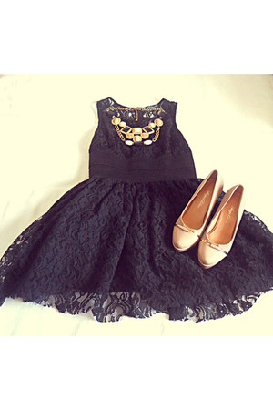 nude zara shoes - black infiniteen dress - necklace