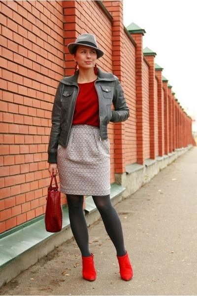silver Zara hat - brick red Gap sweater - silver asoscom skirt