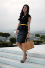 Mustard-michael-kors-bag-black-forever-21-skirt-yellow-aldo-belt
