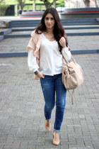 peach Forever21 vest - navy Zara jeans - beige Sole Society bag