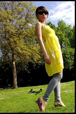 Guess sunglasses - Zara leggings