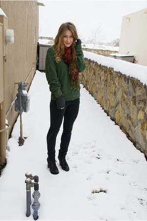 green American Eagle sweater - black Jeffrey Campbell boots