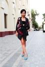 Black-bandeau-diy-top-blue-aldo-shoes-black-silk-kimono-mango-jacket