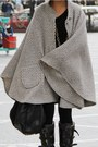 Black-aviator-burberry-boots-heather-gray-cape-vintage-coat-black-custom-mad