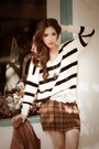 Brown-checkered-skirt-dark-brown-ankle-boots-white-sweater