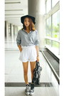Gift-bag-converse-sneakers-h-m-trend-blouse