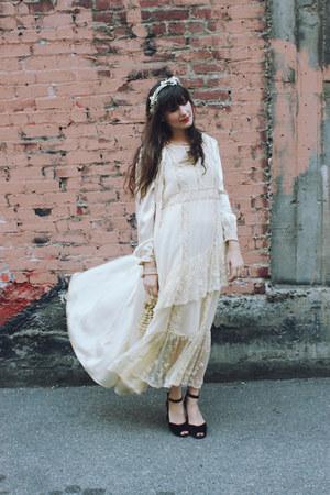 vintage dress - vintage jacket - vintage heels