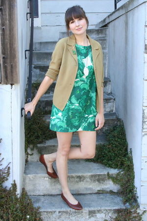 vintage cardigan - thrifted shoes - old banana republic dress