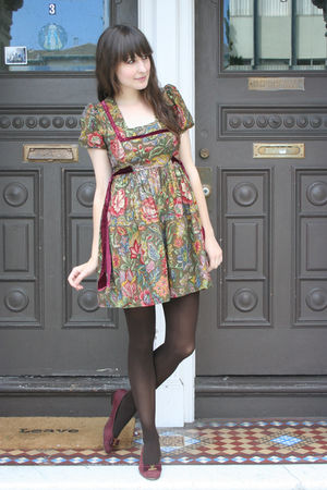 vintage young edwardian dress - American Apparel tights - vintage Ferragamo shoe