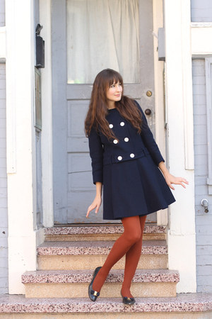 vintage coat - vintage Ferragamo shoes - HUE tights