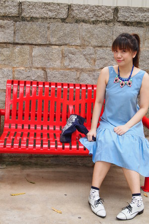 blue Ash Lapin necklace - sky blue Ash Lapin dress