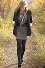 Black-talula-blazer-gray-vero-moda-dress-gray-winners-shoes-black-joe-fres