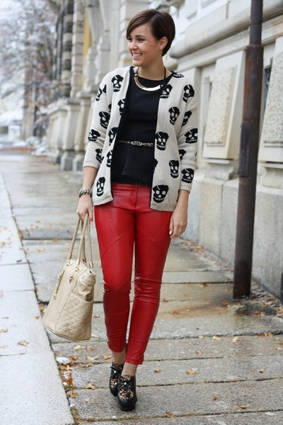 Peplum-primark-shirt-marc-b-bag-leather-3-suisses-pants-aldo-wedges