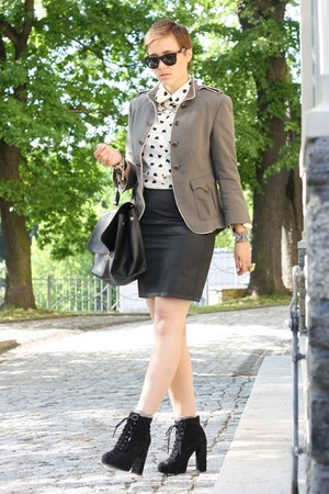 cream hearts blouse - olive green military Zara blazer - black bag