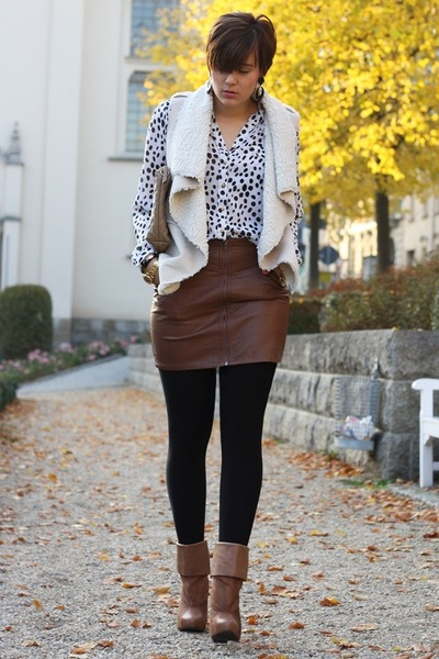 H-m-boots-clutch-hallhuber-bag-leather-h-m-skirt-fur-vest-orsay-vest_400