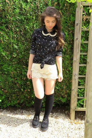black creepers shoes - black node pattern shirt - eggshell lace shorts - socks
