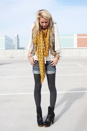 Nyla shoes - madewell scarf - Zara blouse - ae vest