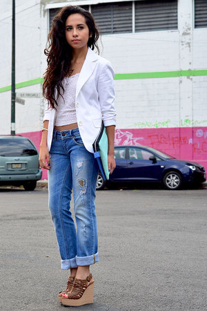 white Bershka blazer - blue boyfriend jeans Pull &amp; Bear jeans