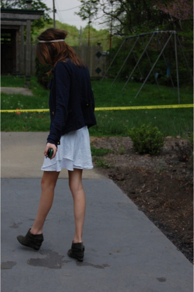 white American Eagle skirt - blue Urban Outfitters jacket - gray we who see shoe