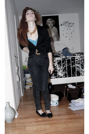 gold accessories - Lasenza bra - black H&amp;M blazer - black belt - black Guess pan