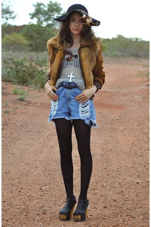 Jeffrey Campbell shoes - thrfted coat - Sportsgirl hat - One Teaspoon shorts - t