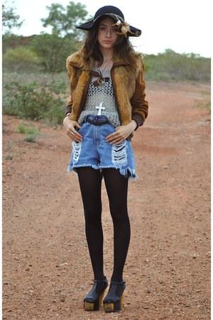 Jeffrey Campbell shoes - thrfted coat - Sportsgirl hat - One Teaspoon shorts - t
