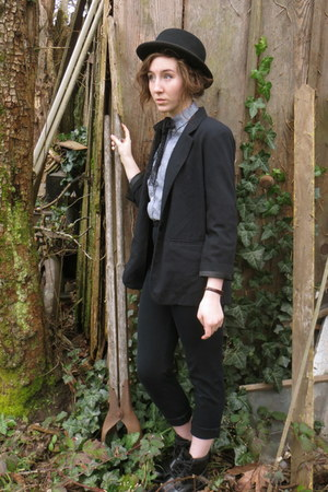 black Mossimo boots - black vintage hat - black thrifted blazer