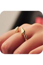 Awwdore Rings