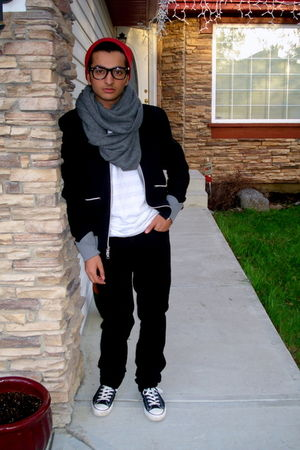 red Tristan Men hat - gray H&M scarf - black Armani Exchange jacket - white Amer