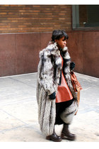leather Azede Jean-Pierre dress - fox fur coat - leather bag