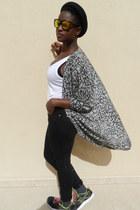 Topshop jeans - hm hat - Zara t-shirt - hm cardigan - Reebok sneakers