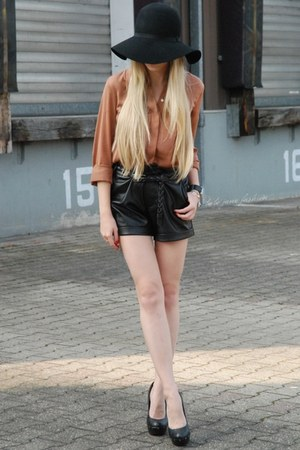 black H&M hat - black leather New Yorker shorts - tawny Zara blouse
