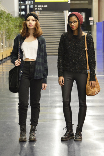 black Dr Martens boots - black high-waisted Topshop jeans - black H&M leggings