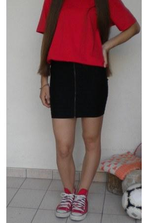 black BLANCO skirt - ruby red Converse sneakers