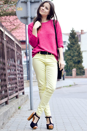cream Zara pants - hot pink Secondhand sweater - black Secondhand bag