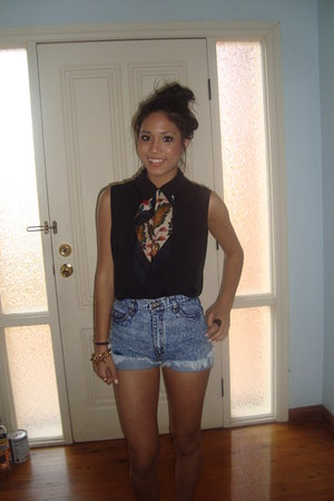 vintage from Ebay scarf - Lee shorts shorts - black cotton op-shop top