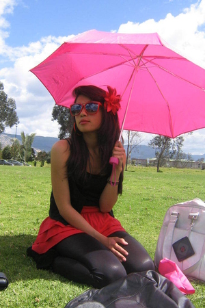 Abril skirt - vintage accessories - Abril sunglasses - American Apparel leggings