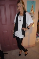 Sportsgirl t-shirt - supre vest - forever 21 leggings - Sportsgirl shoes - from