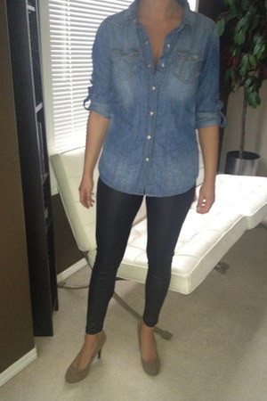 chambray Forever 21 top - pleather Ardene leggings - nude Costa Blanca pumps