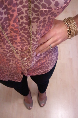 le chateau blouse - Stella & Dot accessories - Steve Madden heels