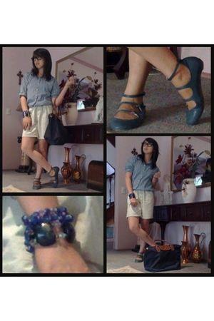 blue Manels shoes - blue Polo shirt - beige brandless shorts - blue Longchamp ba