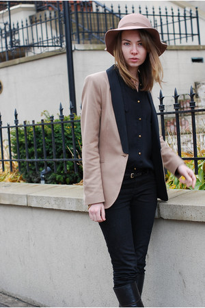 tan Zara blazer - black Zara shirt - black Gucci boots - tan Staring at Stars