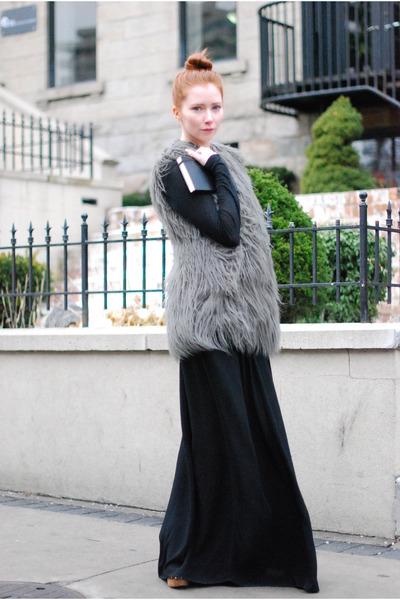 black H&M skirt - gray Zara vest