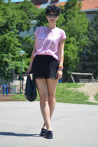 H&M shorts - H&M Trend shoes - wwwoasapcom sunglasses