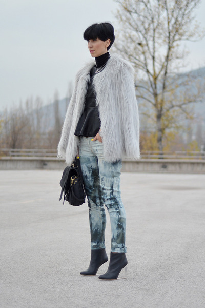 Lookbook Store coat - Maison Martin Margiela for H&M shoes - Orsay jeans